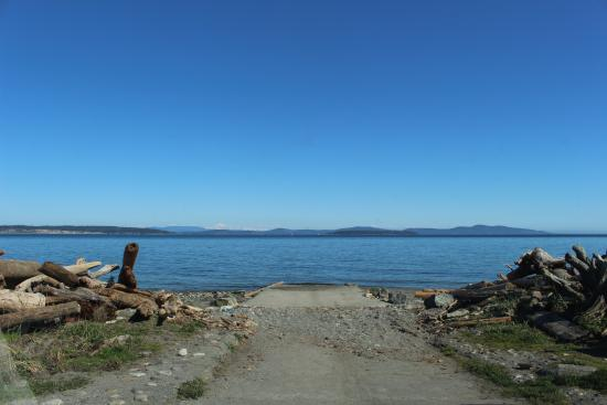 Island View Beach Regional Park Campground