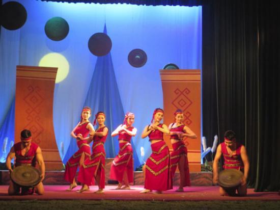 Golden Bell Show: gongs