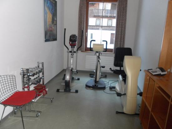 """Hotel Bad Serneus: """"Fitness""""-Zimmer total der WITZ!!!!"""
