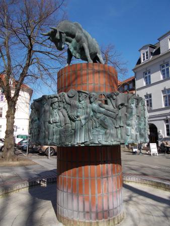 """Brunnen """"Herrn Pastor sien Kauh"""""""