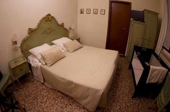 Residenza Al Pozzo : Lit bébé fournit gratuitement !