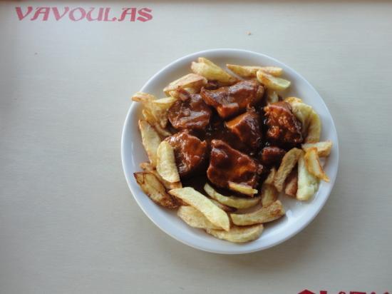 Mikri Vigla, Yunani: μοσχάρι κοκκινιστό με πατάτες