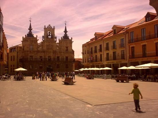 ‪Plaza Mayor de Astorga‬