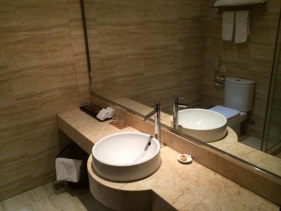 Hundred Centuries Hotel: photo3.jpg