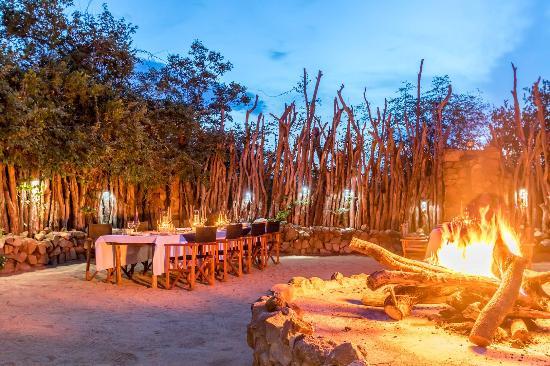 Частный заповедник Леопард -Хиллз, Южная Африка: Boma Dinners