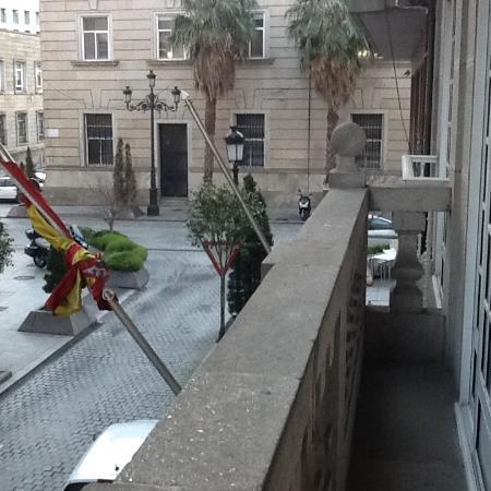 Hotel Del Mar: Mais uma foto da vatanda ,vista pra uma rua que da pra praia