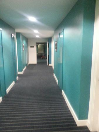 Days Inn City Centre Liverpool: 20160329_225522_large.jpg