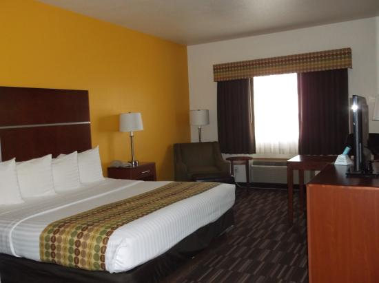 Firestone, CO: king bed room