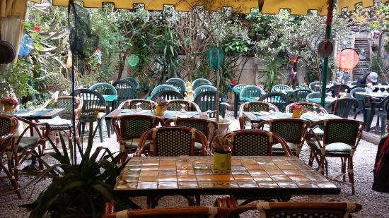 c t jardin picture of le cafe jardin antibes tripadvisor. Black Bedroom Furniture Sets. Home Design Ideas