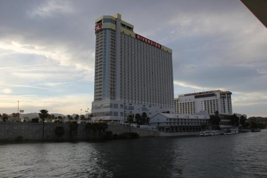 Don Laughlin's Riverside Resort: Hotel from the river