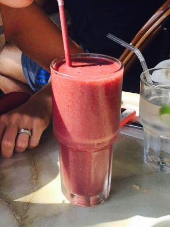 Sunny Isles Beach, Flórida: Smoothie. Blueberry strawberry orange