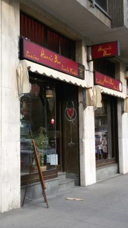Harris Bar
