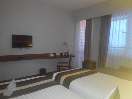 grand whiz hotel kelapa gading room 1708 picture of el royale rh tripadvisor com