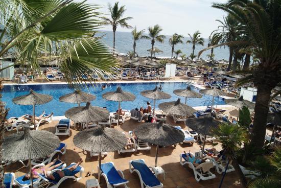Lovely view of pool area from upper terrace bild fr n for 45 upper terrace san francisco