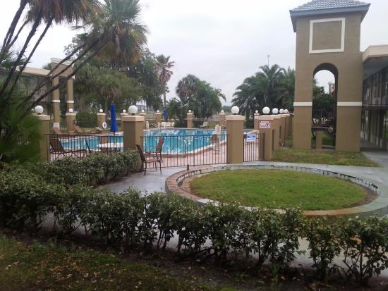 Quality Inn & Suites: Wading pool no longer in use