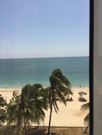 Sur la plage picture of hotel ancon trinidad tripadvisor for Chambre 13 tahiti plage