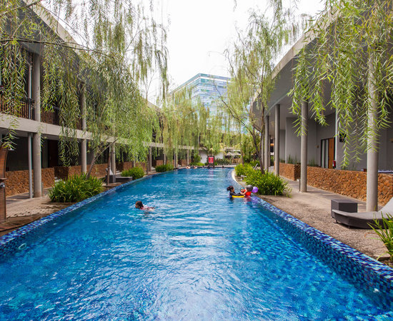 10 Hotel Dengan Kolam Renang Di Terbaik Di Sentul