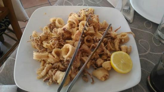 Agerola: Calamaretti croccanti fuori e tenerissimi dentro! Buoni e freschi come in Croazia!