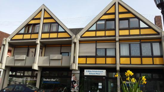 Lauda-Koenigshofen, Germany: Elektroautos Mott