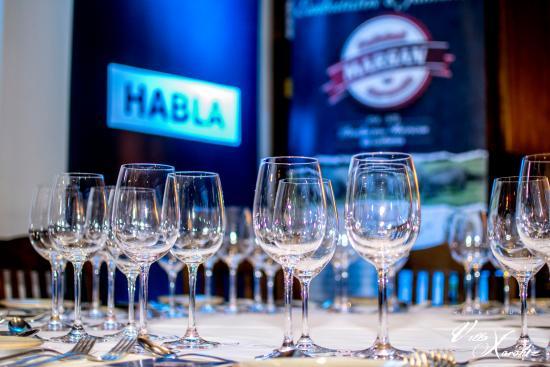 Hotel Rural Villa Xarahiz : cata de vinos con bodegas habla