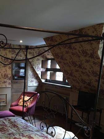 Guesthouse Bonifacius: Notre jolie chambre avec vue sur le canal