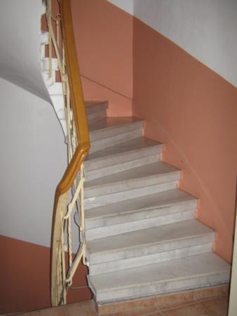 Askin Hotel: Лестница наверх, в номера