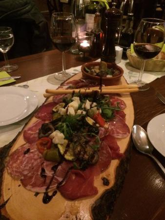 Oliveto: Gemischter Antipastiteller