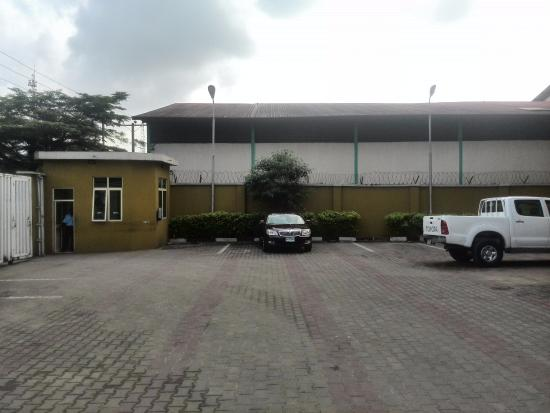 Vee hotels specialty hotel reviews port harcourt for Specialty hotels