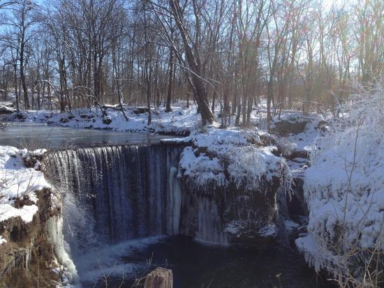 Cedarville, Ohio: Frozen falls