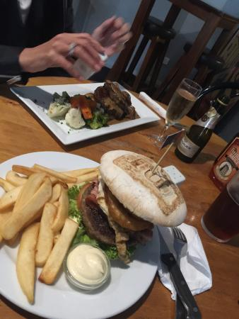 The Kensington: awesome burger and eye fillet