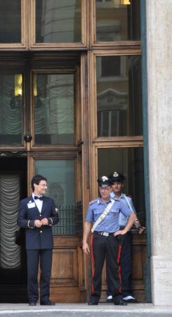 Palazzo e piazza montecictorio picture of palazzo di for Sede camera dei deputati