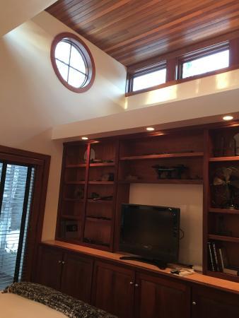 Winvian: Industry Cottage bedroom, ceiling detail.