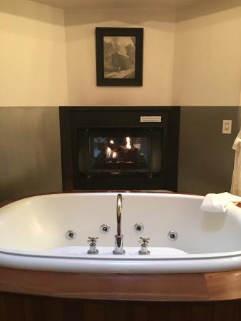 Winvian: Industry Cottage tub for two.