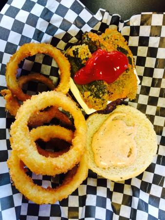 Big Bam's Burgers: En Fuego & Onion Rings