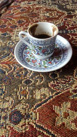 Ballston Spa, Nowy Jork: Turkish Coffee on our table's table cloth