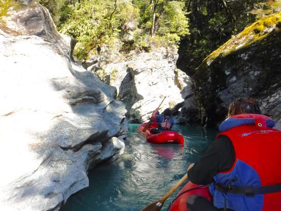 Queenstown, Yeni Zelanda: Dart River tributary