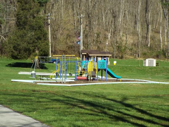 Carrollton, KY: playground