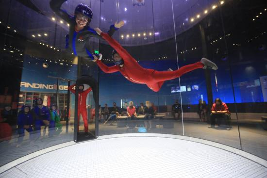 ‪iFLY Indoor Skydiving - San Diego‬