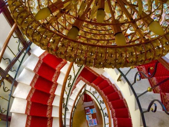 Havre de Paix : Elegant staircase