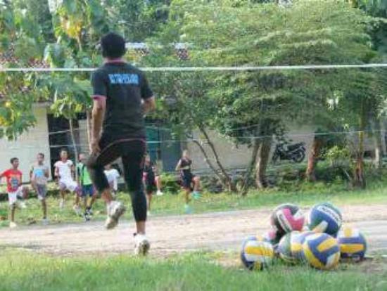 Cepu, Indonesia: ASPOL VOLLEYBALL CLUB sarana pembinaan dan pelatihan olahraga bola voli bg putra putri anda.