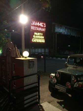 Jammie's Kitchen: photo1.jpg