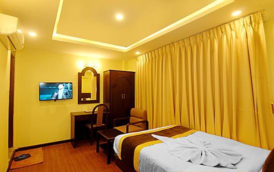 Kathmandu Grand Hotel: Room