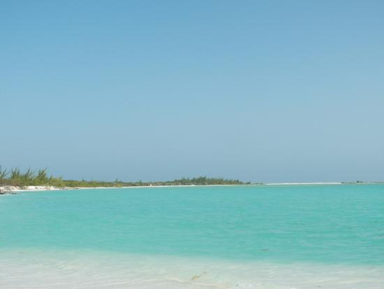 Piscina natural picture of playa paraiso cayo largo - Piscina playa ...