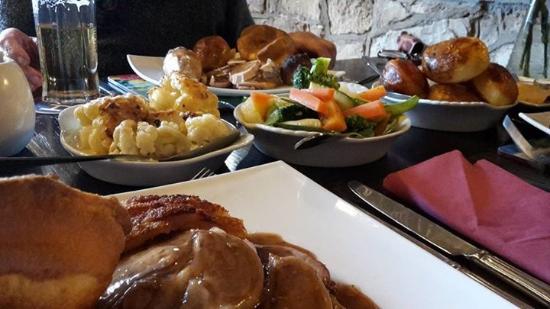 Croscombe, UK: Easter Sunday roast dinner, yum!