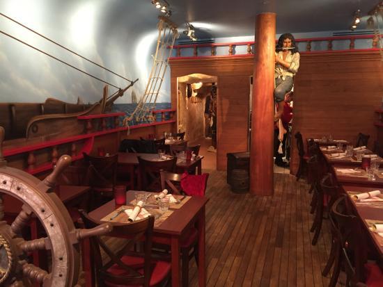 [Nouveau] Captain Jack's - Restaurant des Pirates (24 juillet 2017) - Page 10 Jack-tavern