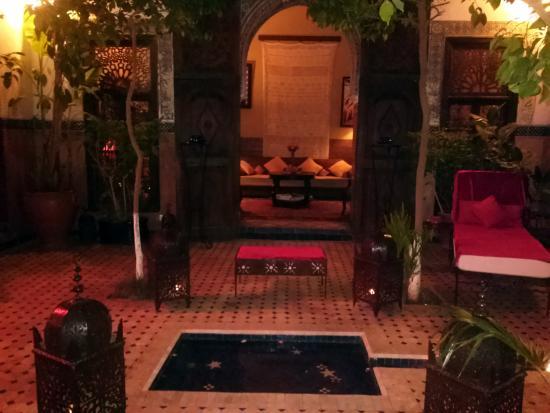 Riad jena b b marrakech maroc voir les tarifs 129 for Salon zen rabat tarifs
