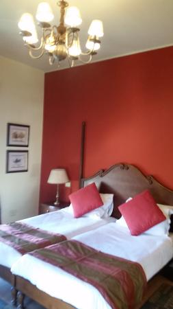 Hotel Longchamps Picture
