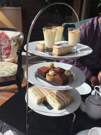 Rowsley, UK: Delicious afternoon tea served in the conservatory. Beautifully light warm scones, lemon posset