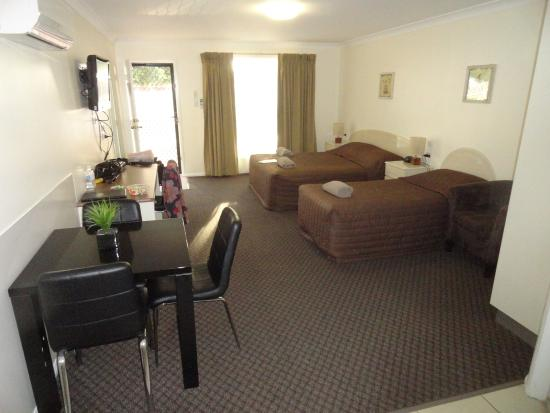 basic room carpet was new picture of gwydir thermal pools rh tripadvisor com