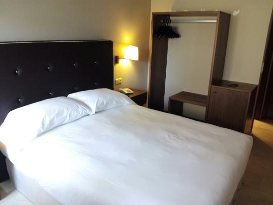 Hotel Pamplona Plaza: IMG_20160204_122727_large.jpg